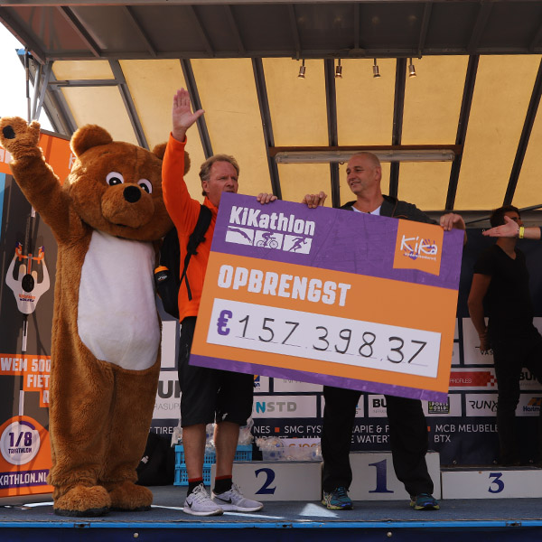 Fantastische opbrengst van ruim 150.000 euro voor de eerste KiKathlon